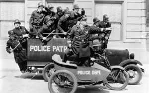 vintage-police-department-2560x1600